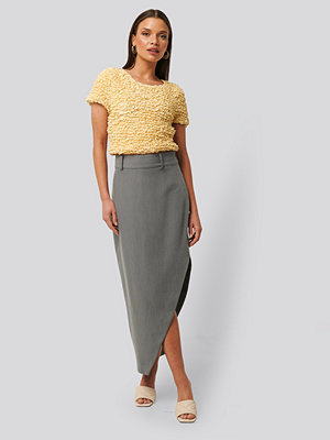 NA-KD Classic Maxi Tailored Asymmetric Skirt grå