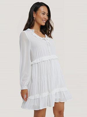 NA-KD Boho Multi Frill Flowy Mini Dress vit