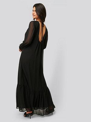 NA-KD Trend Maxiklänning svart