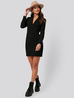 Jldrae x NA-KD Festlig Kostymklänning svart