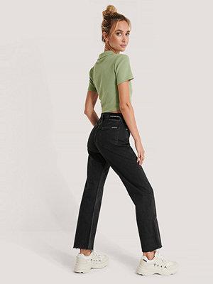 Calvin Klein Jeans Med Rak Passform svart
