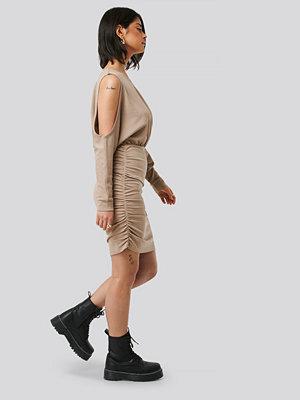Olivia Salo x NA-KD Miniklänning beige