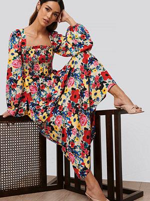 NA-KD Trend Miniklänning Med Blommigt Tryck multicolor