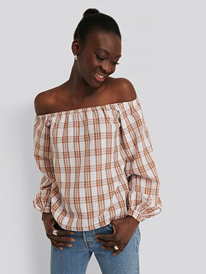 NA-KD Boho Off Shoulder Structure Check Blouse brun