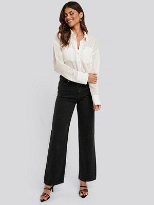 NA-KD Trend Jeans Med Raka Ben svart