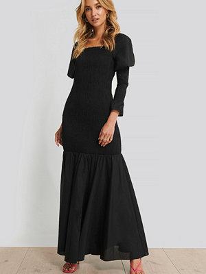 NA-KD Trend Långärmad Maxiklänning svart