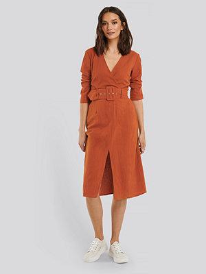Glamorous Midiklänning Med Bälte orange