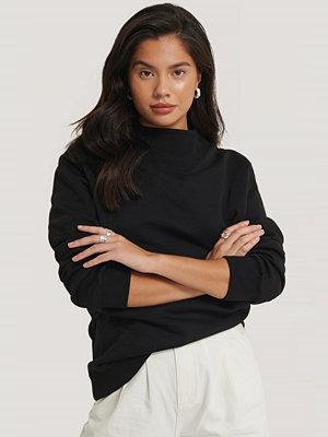 Olivia Salo x NA-KD Sweatshirt svart
