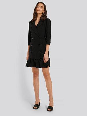 Trendyol Miniklänning Med Knappdetaljer svart