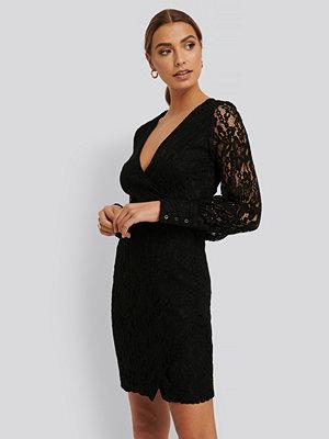 NA-KD Party Spetsklänning svart