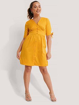 Trendyol Miniklänning I Satin gul