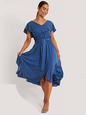 Trendyol Midiklänning blå