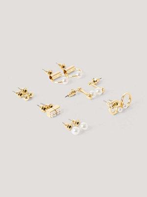 NA-KD Accessories smycke Mini Pearl Earrings Set guld