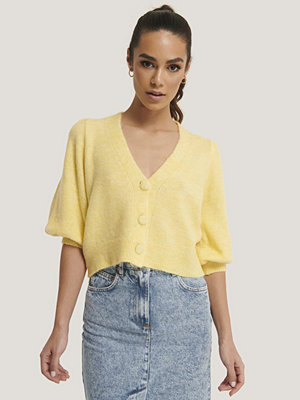 Mango Kort Stickad Cardigan Med Ballongärm gul