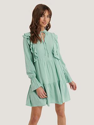 Trendyol Miniklänning Med Volangdetalj grön