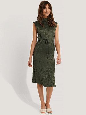 Trendyol Omlottklänning grön