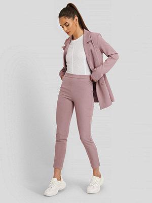 Trendyol Kostymbyxor lila omönstrade