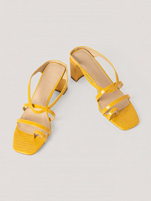 NA-KD Shoes Högklackade Sandaler gul