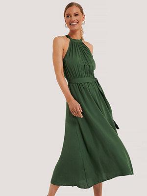 Trendyol Ärmlös Midiklänning grön