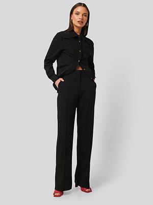 NA-KD Classic Kostymbyxor Med Slits svart svarta