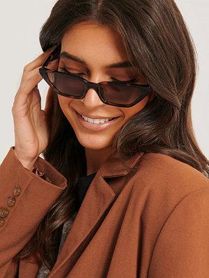 Basma & Merna x NA-KD Fyrkantiga Solglasögon Med Raka Bågar brun