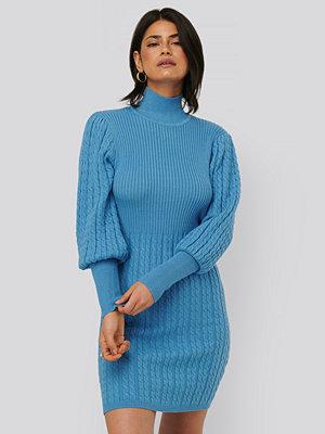 NA-KD Trend Stickad Klänning blå