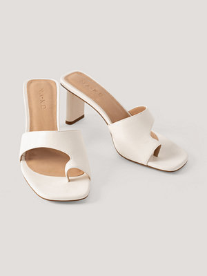 NA-KD Shoes Toe Strap Mules vit