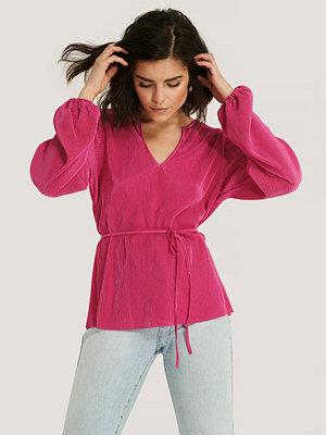 NA-KD Plisserad Blus Med V-Ringning rosa