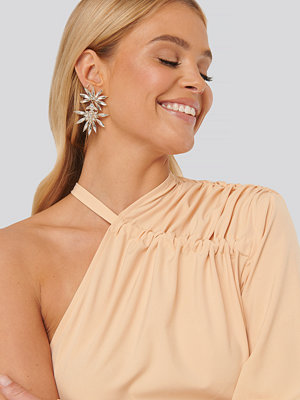 NA-KD Accessories smycke Spiky Rhinestone Statment Earrings guld