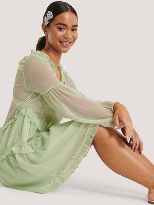 NA-KD Boho Chiffongklänning Med Krås grön