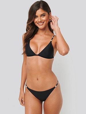 NA-KD Swimwear Sea Shell Detail Thin Strap Bikini Panty svart