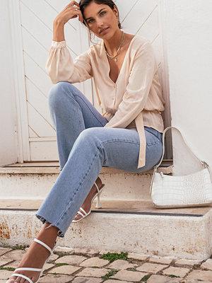 Kae Sutherland x NA-KD Blus Med Knytning I Midjan rosa