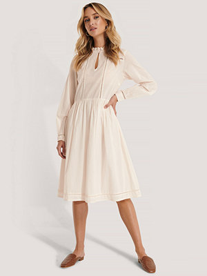 NA-KD Boho Cotton Frill A-Line Dress offvit