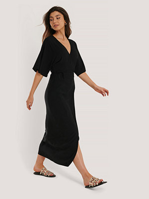 NA-KD Boho Omklottklänning svart