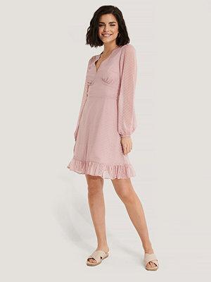 NA-KD Boho Dobby Marked Waist Mini Dress rosa