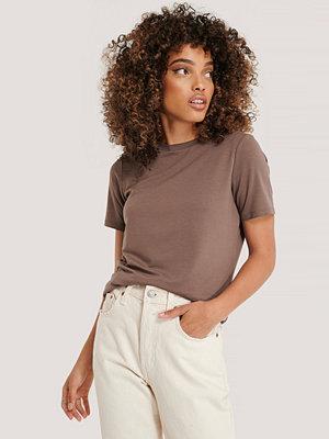 NA-KD Reborn T-Shirt brun