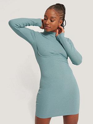 Romy x NA-KD Jersey-Klänning Med Hög Hals blå