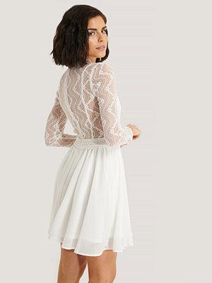 NA-KD Boho Lace Anglaise LS Mini Dress vit