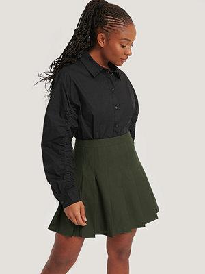 Romy x NA-KD Skjorta Med Ärmdetaljer svart