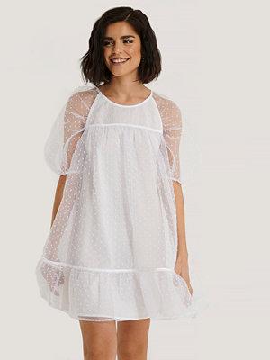 NA-KD Boho Dobby Organza Mini Dress vit