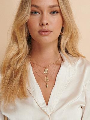 Misslisibell x NA-KD smycke Halsband Med 3 Symboler I Ett Hänge guld