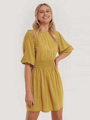 Trendyol Klänning Med Smock gul