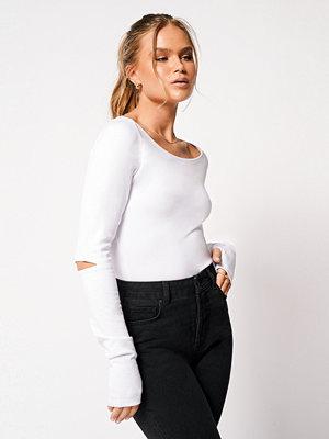 Toppar - Hanna Schönberg x NA-KD Topp Med Djup Båthalsringning vit