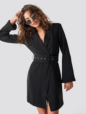 Hannalicious x NA-KD Blazer Dress svart