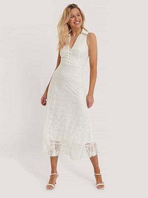 Trendyol Spetsklänning vit