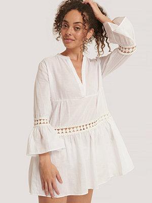 Trendyol Miniklänning Med Broderade Detaljer vit
