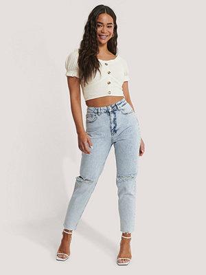 NA-KD Trend Jeans Med Slitningar På Knäet Och Hög Midja blå