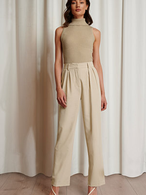 Emma Ellingsen x NA-KD Oversize Kostymbyxor beige omönstrade