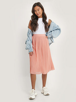 NA-KD Pleated Midi Skirt rosa