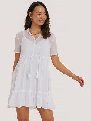 NA-KD Boho Short Sleeve Flowy Mini Dress vit